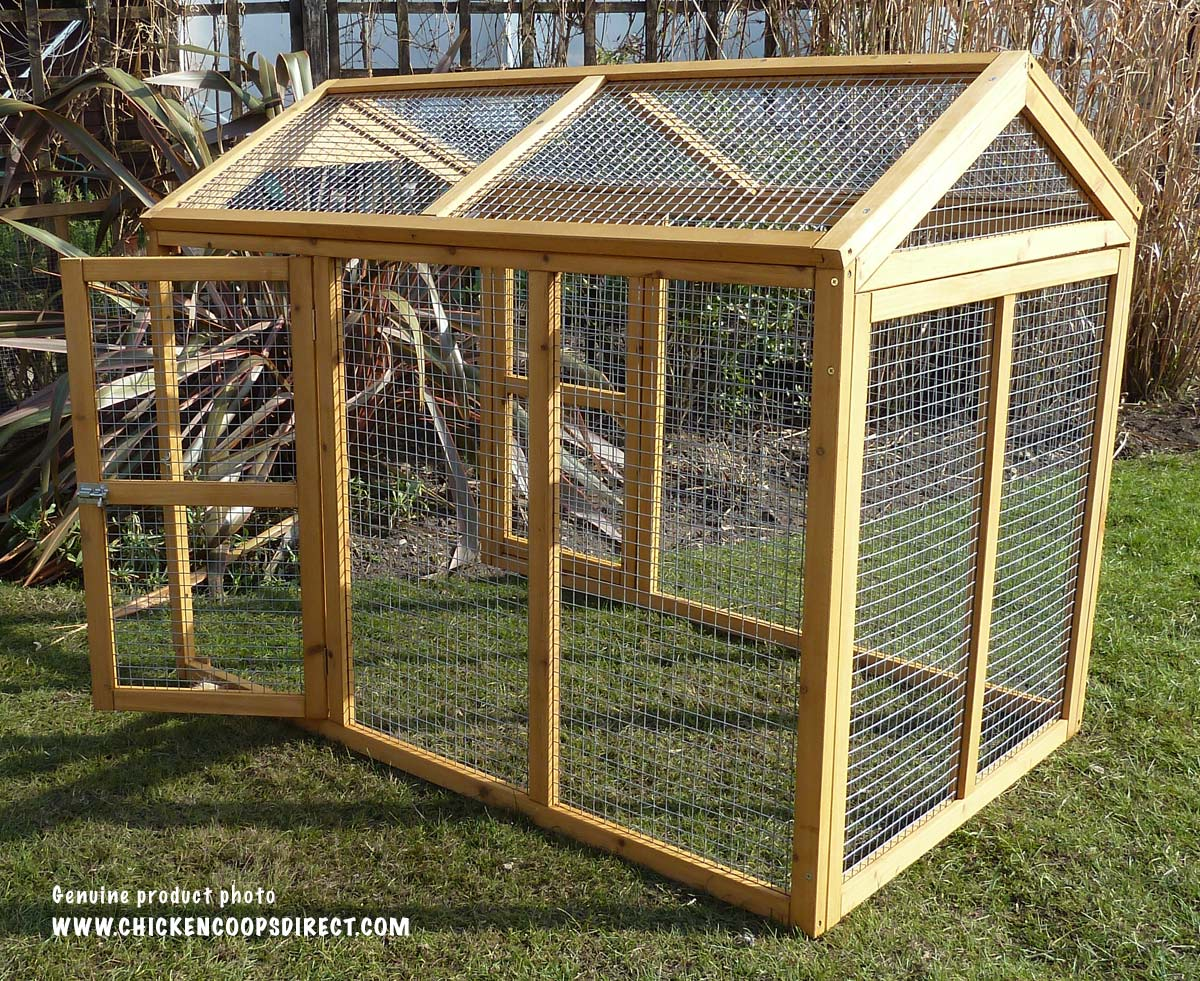 Devon chicken run with door open