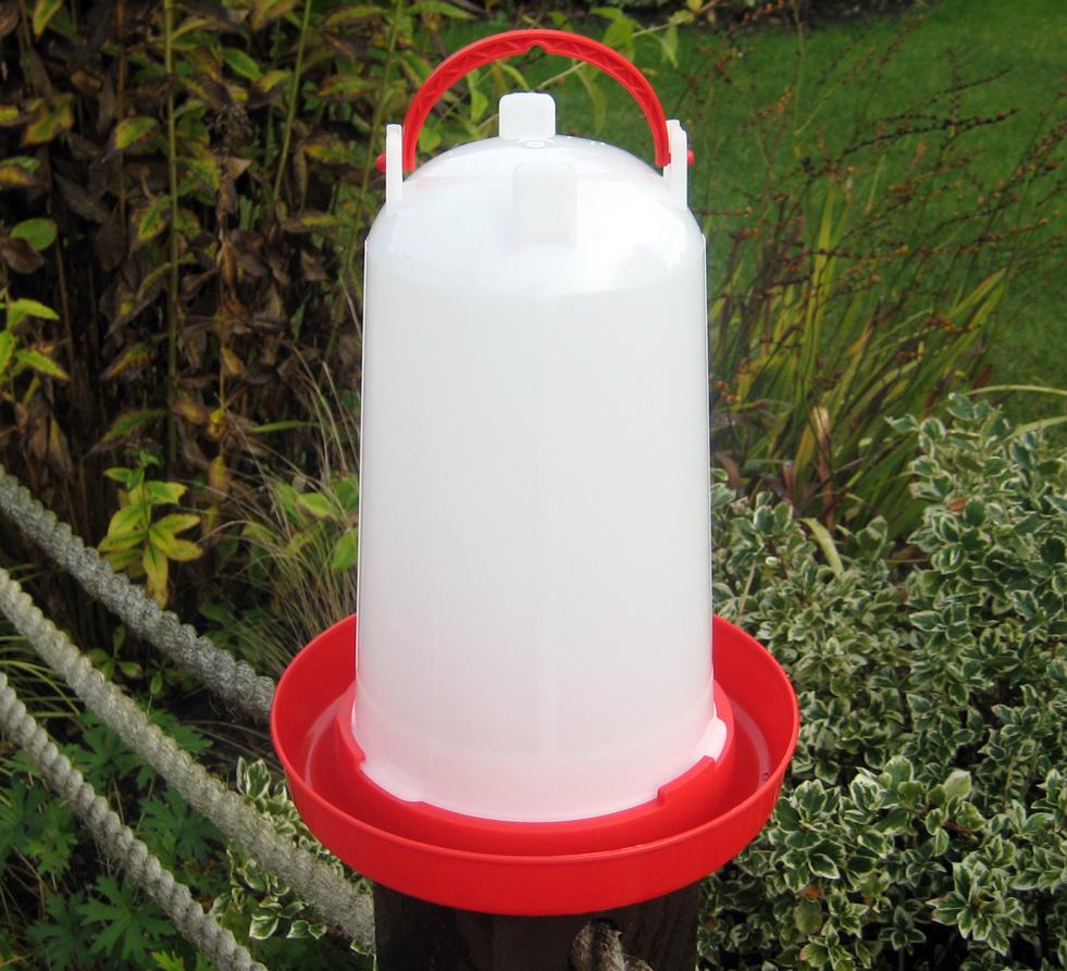 3 litre plastic drinker for chickens
